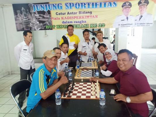 Kemeriahan Sambut Hut Kota Bekasi Ke-22 Pertandingan Catur Antar Bidang Perebutkan Piala Kepala Disp ...