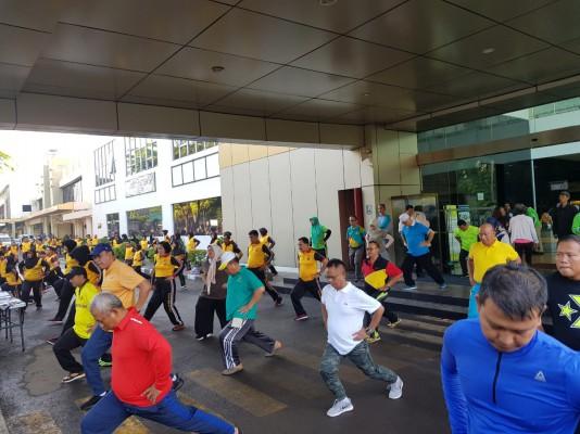 Senam Sparco Bersama Wali Kota Bekasi Dan Pejabat Esselon II Pemkot Bekasi