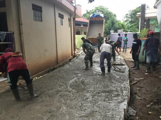 Monitoring Kegiatan TNI Manunggal Membangun Desa(TMMD) Ke 104 Di Kel. Jatisari Kec.Jatiasih Sasaran