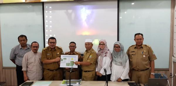 Foto Bersama Wali Kota Bekasi Setelah Kegiatan EkpOse Renstra Disperkimtan 2019-2023